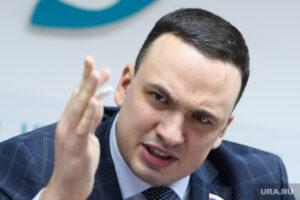 Депутат Ионин призвал прекращать эксперимент с дистанционкой